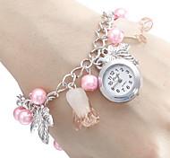 Type papillon en alliage analogique bracelet montre femme quartz (Multi-couleur)