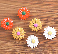 Korean version of the cute little daisy Gerbera daisy earrings small earrings (random color)