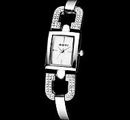 das mulheres praça de marcação de diamante banda de quartzo analógico pulseira de relógio (cores sortidas)