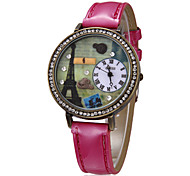 Women's 3D Tower Pattern Round Dial PU Band Quartz Analog Wrist Watch (Assorted Colors)