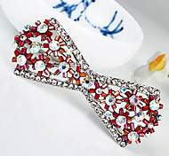 Women's Fashion Purple Crystal Silver Plated Brooch (Random Color)