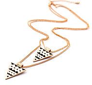 Fashion (Black and White Triangle Pendant) Gold Alloy Pendant Necklace (1 Pc)