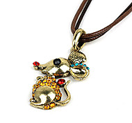 Retro Fashion Pendant Necklace(Random Color)
