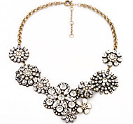Classic (Clear Crystal Flower Pendant) Gold Alloy Statement Necklace (1 Pc)