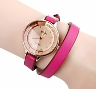Women's Golden Dial PU Band Quartz Analog Wrist Watch with Rhinestone (Assorted Colors)