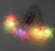 Color con pilas 10 LED que cambia de copo de nieve de hadas de la secuencia de las luces para la fiesta de Navidad (2xAA)