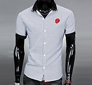 Camisa de los hombres de cuello de escote Contraste de color Moda Casual T-Shirt