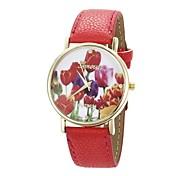 Women's Flower Pattern Golden Case PU Band Quartz Analog Wrist Watch (Red)