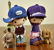 ENKAY 2 Pack Couple walking the dog Pattern Resin Toy for Decoration or Gift