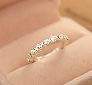 Fashion Simple and Generous Rhinestone Ring