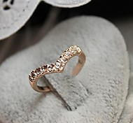 V-shaped Rhinestone Tail Ring