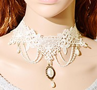 Necklace Choker Necklaces / Collar Necklaces / Statement Necklaces / Vintage Necklaces Jewelry Wedding / Party Fashion Lace White 1pc Gift