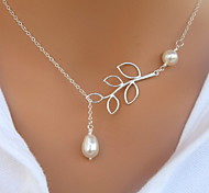 Shixin® Classic Two Pearl Hollow Out Leaf Pendant Necklace(1 Pc)