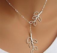 Жен. Ожерелья с подвесками В форме листа Серебрянное покрытие Сплав Простой стиль Мода бижутерия Регулируется Длинный Бижутерия Назначение