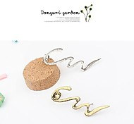 EuroPean And American Retro Fashion Personality Streamline Pierced Earrings Without Ear Hook