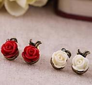 старинные маленькие пластмассовые розы серьги сплава