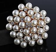 Fashion Rhinestone Pearls Flower Brooches Random Color