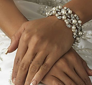 Ladies'/Women/Women's/Couples' Silver/Alloy Charm With Diamond/Crystal Pearls Bracelet For Wedding Bridal