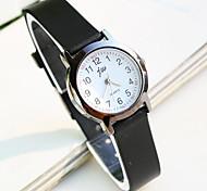 simples ronde bande cadran en plastique montres à quartz de mode exquise du couple (couleurs assorties)