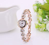 la mode des femmes regardent été de style en acier inoxydable montres dame 4 couleurs bracelet montres horloge féminine tableau de marque