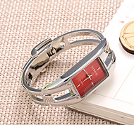 Ladies' Good Quality of Steel Strip Shaped Bracelet Watch Quartz Watch