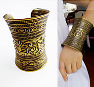 Z&X® Alloy Fashion Vintage Carved Wide Cuff Bracelets Party/Daily/Casual 1pc