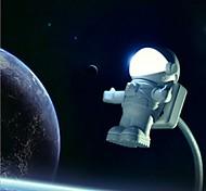 nueva luz astronauta usb arrvial / lámpara linda pc astronauta llevó la noche la luz de luz de emergencia