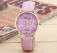 Women's Fashion Simple Small Chrysanthemum Embossed Circular Belt China Watch Movement(Assorted Colors)