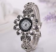 nuove donne della vigilanza casuale modo caldo di vendita veste le vigilanze fiore braccialetto signore orologio da polso femminile