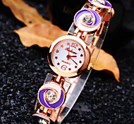 Women's New Luxury Trend Round Dial Fashion Quartz Bracelet Watch (Assorted Colors)