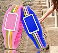 lcd unisex relógio digital quadrado pulseira capa de silicone (cores sortidas)