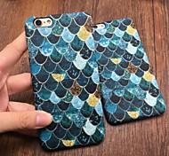 caso del patrón de la escala de pescados de la moda resplandor luminoso en el teléfono protector oscuro caso de la contraportada para el