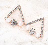 18K Gold Crystal Pearl Triangle Security Quality Stud Earrings Jewelry for Wedding Party