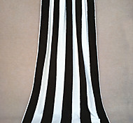 "Fashion Black&White Striped Pattern Full Cotton Bath Towel 55"" by 27.5"""
