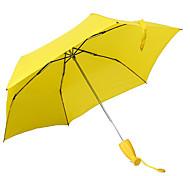 tres hijos llevan el ultraligero UV paraguas de la personalidad creativa plátanos sol