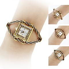 Women's Gold Watchcase Style Steel Analog Quartz Bracelet Watch (Assorted Colors) Cool Watches Unique Watches