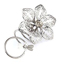 fleurs et la forme de libellule les anneaux en alliage de femmes (couleur aléatoire)
