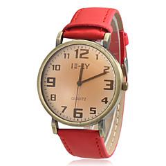 Women's Round Dial Vintage Case PU Band Quartz Analog Wrist Watch (Assorted Colors)