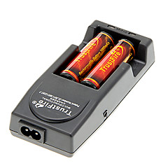 TrustFire 3000mAh 18650 Battery (2kpl) kanssa Ylilataus suoja + TrustFire TR-001 Laturi