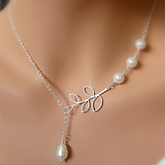 Shixin® Vintage Four Pearl Leaf Shape Pendant Necklace(1 Pc)