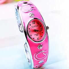 reloj de la aleación esfera redonda pulsera de cuarzo de banda de las mujeres (colores surtidos)