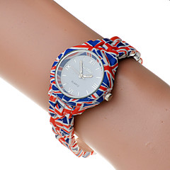 Women's Flower Pastic Band Round Dail Quartz Watch(Assorted Color)