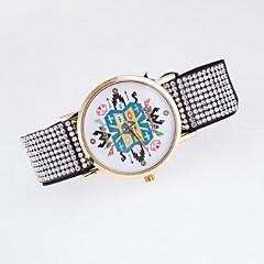 Women's Fashion Watch Simulated Diamond Watch Casual Watch Quartz Fabric Band Multi-Colored