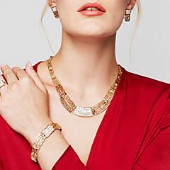 Női Ékszer készlet Nyilatkozat nyakláncok Karkötő Fülbevaló Gyűrű Ékszerek Arannyal bevont 18K arany Divat Méretes ékszerek jelmez