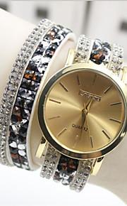kvinders måde pu band quartz anolog armbåndsur (assorterede farver)
