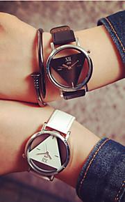 Casal Relógio Esqueleto Quartz Gravação Oca PU Banda Relógio de Pulso Preta / Branco
