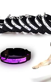 Kediler Köpekler Yakalar Yansıtıcı LED Işıklar Ayarlanabilir/İçeri Çekilebilir Güvenlik Dahil Piller Elektronik/Elektrik Yanıp SönenTek