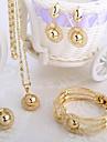 style de la mode italienne collier en or de quatre pieces ensemble de bijoux, y compris des bracelets, des boucles d\'oreilles, la partie est tie-in