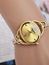 femmes montres la tendance du bracelet en cuir montre bien la personnalite